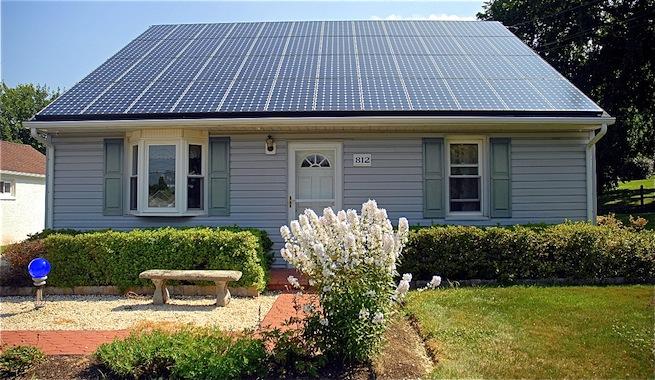Tejas solares para conseguir una energ a limpia - Instalar placas solares en casa ...